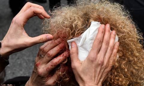 Ένταση και συγκρούσεις στην πορεία των εκπαιδευτικών - Τραυματίστηκε μία γυναίκα (pics)