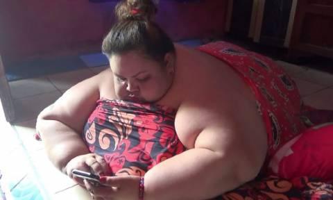 Η πιο παχύσαρκη γυναίκα της Ινδονησίας (vid)