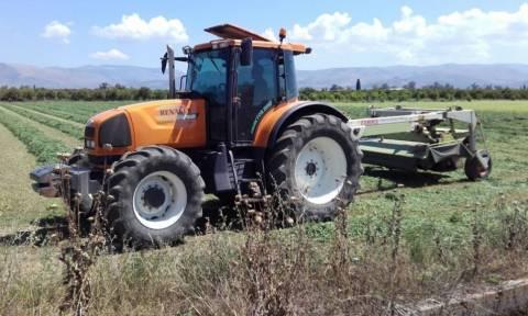 Αγρότες και κτηνοτρόφοι βγάζουν τα τρακτέρ στους δρόμους