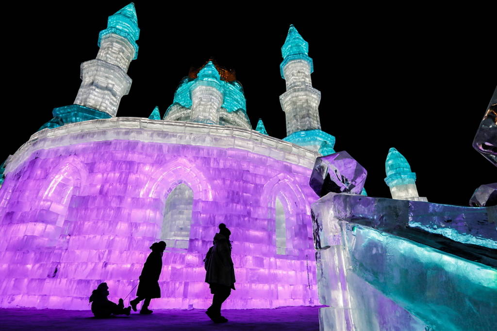 Μέσα στο εντυπωσιακό φεστιβάλ πάγου της Κίνας που χρονολογείται από το 1963 (photos)