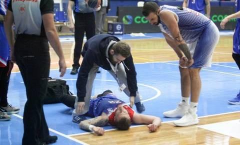Χολαργός - Πανιώνιος: Ο Παπαντωνίου έχασε τις αισθήσεις του από «χτύπημα» του Ντόρσεϊ