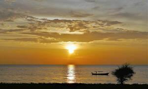 «Ξαναμμένοι» τουρίστες κάνουν σεξ σε θάλασσα της Ταϊλάνδης (video)