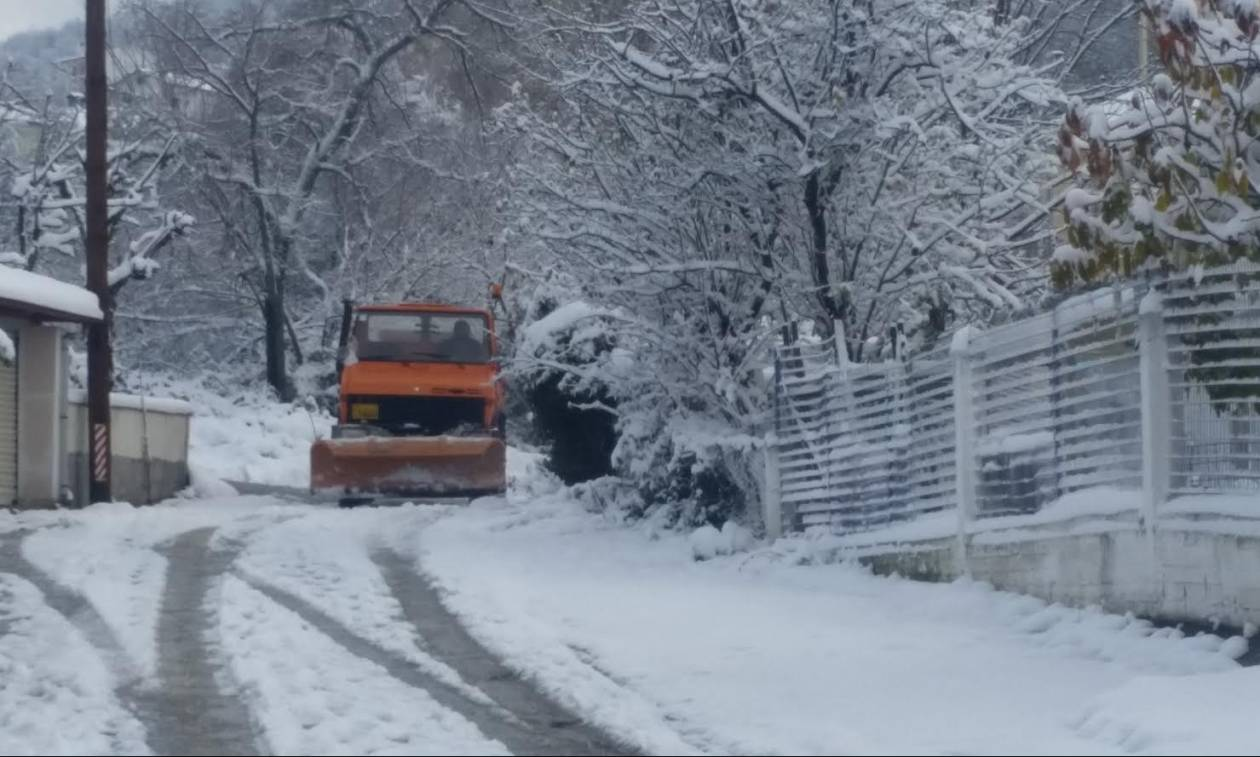 Καιρός: Καταιγίδες, χιόνια και τσουχτερό κρύο την Κυριακή - Νέα επιδείνωση από Δευτέρα
