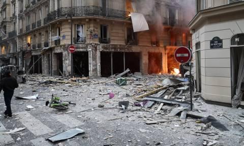 «Θρίλερ» στο Παρίσι: Αγνοείται άνδρας που κατοικούσε στο κτήριο που σημειώθηκε ισχυρή έκρηξη (Vid)