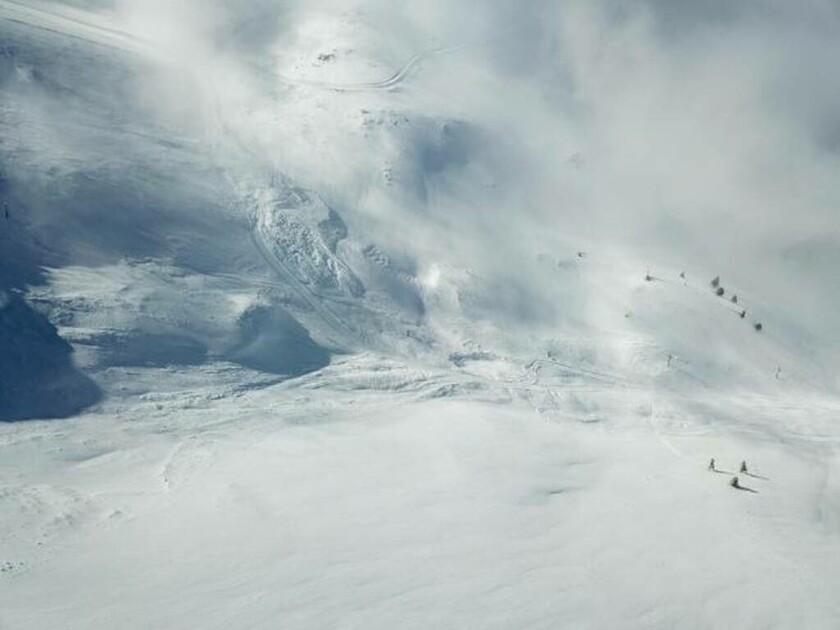 Καιρός: Xιονοστιβάδα «σάρωσε» το χιονοδρομικό Καλαβρύτων (pics)