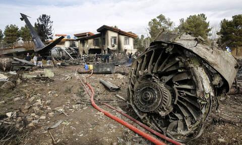 Συντριβή αεροσκάφους στο Ιράν: 15 νεκροί, ένας επιζών (pics)