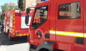 Συναγερμός στο Βόλο: Πυρκαγιά σε σπίτι, δίπλα από βενζινάδικο