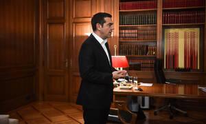 Le Monde: Ο Τσίπρας και το πολιτικό πόκερ μετά το «διαζύγιο» με τον Καμμένο