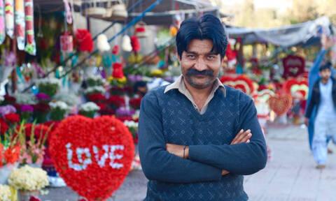 Δε θα πιστεύετε πώς μετονόμασαν οι Πακιστανοί τη γιορτή του Αγίου Βαλεντίνου