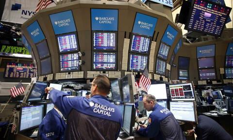 Πτώση στη Wall Street παρά την αισιοδοξία Τραμπ για τις συνομιλίες με την Κίνα