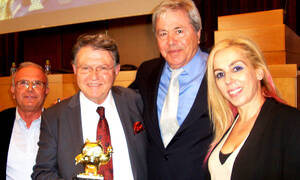 Ο Σοφοκλής Ξυνής βραβεύθηκε από την Εθνική Ολυμπιακή Ακαδημία