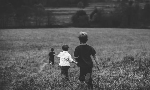 Ασύλληπτη τραγωδία στις ΗΠΑ: Παιχνίδι θανάτου για τρία παιδιά (vid)