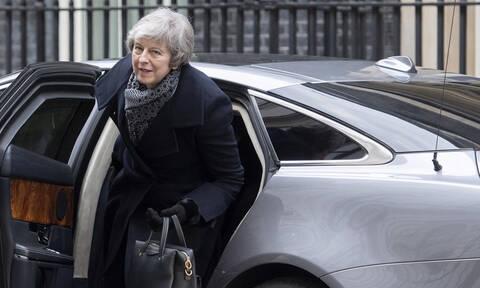Brexit: Τα πιθανά σενάρια μετά την αποψινή κρίσιμη ψηφοφορία