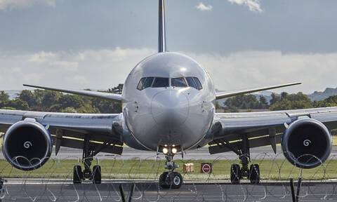 Ένας... λαθρεπιβάτης προκάλεσε πανικό σε πτήση από τη Σιγκαπούρη στο Λονδίνο! (vid)
