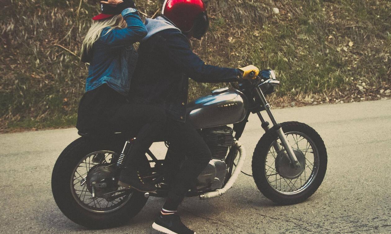 Τέσσερα ψυχολογικά κόλπα για να τον κάνεις να σε ερωτευτεί