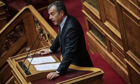 Ψήφος εμπιστοσύνης – Σταύρος Θεοδωράκης για Σπύρο Δανέλλη: Κάνεις κάτι χειρότερο από έγκλημα (vid)