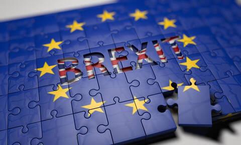 «Ώρα μηδέν» για το Brexit: Στις 22:00 η κρίσιμη ψηφοφορία στη βρετανική Βουλή
