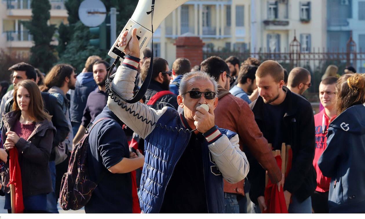 Σε νέα 24ωρη απεργία οι δάσκαλοι