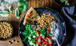 Οι τροφές που πρέπει να αποφεύγεις καθημερινά, αν θες να παραμείνεις στα κιλά σου