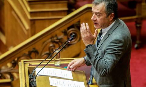 Θεοδωράκης:  Θετική ψήφος για τις Πρέσπες δεν σημαίνει ψήφος εμπιστοσύνης στην κυβέρνηση