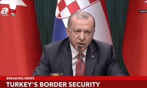 Ακονίζει τα «νύχια» του ο αιμοχαρής Ερντογάν: «Γλύφει» τον Τραμπ για να ξεκινήσει τη σφαγή στη Συρία