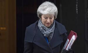 Brexit: Ανάσα ανακούφισης από τη Τερέζα Μέι – Κέρδισε την ψήφο εμπιστοσύνης