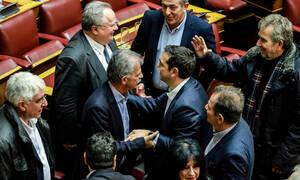 Ψήφος εμπιστοσύνης: Αυτοί είναι οι 6 βουλευτές που «έσωσαν» τον Τσίπρα