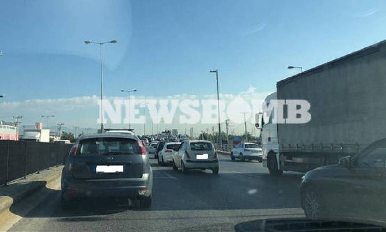 ΤΩΡΑ: Κόλαση ο Κηφισός - Μποτιλιάρισμα χιλιομέτρων λόγω τροχαίου