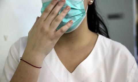 ΠΟΕΔΗΝ: Ασθενής μαχαίρωσε νοσηλεύτρια στο νοσοκομείο «Ερυθρός Σταυρός»