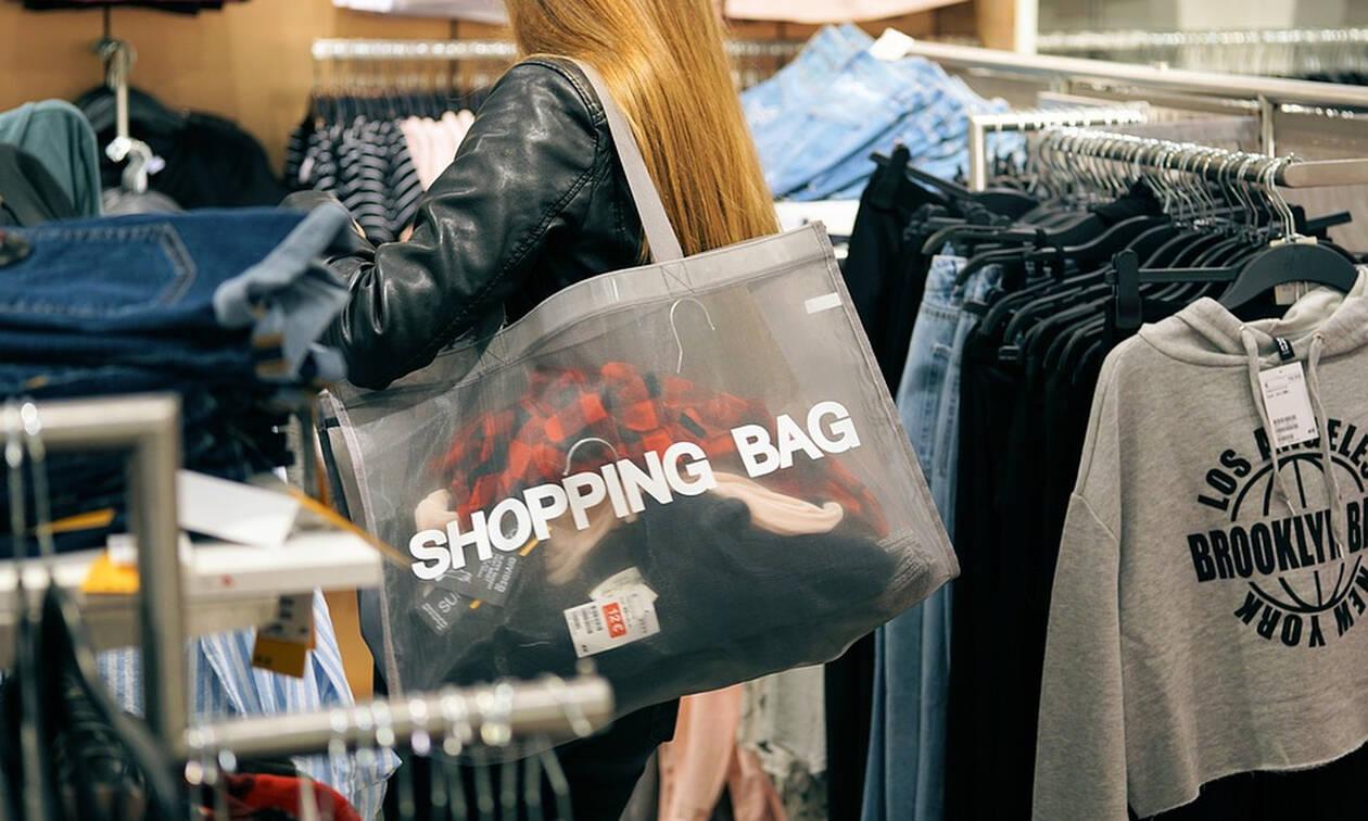 Ανοιχτά την Κυριακή τα καταστήματα - Δείτε ποιες ώρες