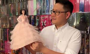 Ο παράδεισος κάθε μικρού κοριτσιού: Συλλέκτης παιχνιδιών μας συστήνει τον… κόσμο των Barbie (vid)
