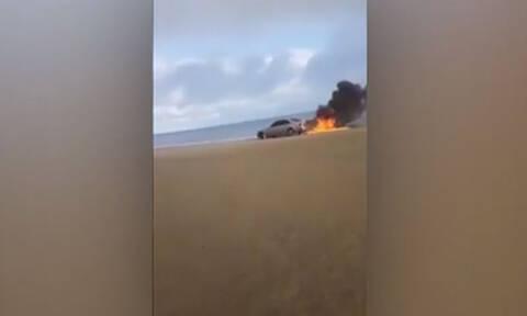 Έβαλε φωτιά στο αμάξι του για τα… like (vid)