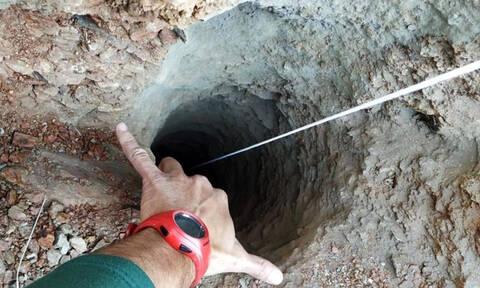 Αγωνία για το δίχρονο παιδί που έπεσε σε πηγάδι 100 μέτρων – Σκάβουν πυρετωδώς αλλά δεν το βρίσκουν