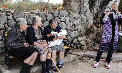 Μυτιλήνη: Το τελευταίο «αντίο» στην Μαρίτσα, την εμβληματική γιαγιά της αλληλεγγύης στους πρόσφυγες