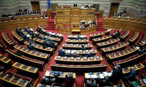 Βουλή: Ψηφίστηκε το νομοσχέδιο για τις προσλήψεις των εκπαιδευτικών μέσω ΑΣΕΠ