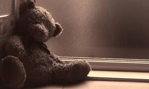 Τραγωδία στην Κέρκυρα: Το τελευταίο «αντίο» στην Άννα Μαρία - «Ραγίζει» καρδιές η μητέρα της (vids)