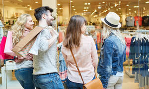 Ετοιμάζεσαι για εξόρμηση στις εκπτώσεις;  Δες τα οφέλη του shopping therapy (video)