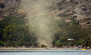 Meteo: Ξεπέρασαν τους 100 οι ανεμοστρόβιλοι και υδροσίφωνες στην Ελλάδα (pics)