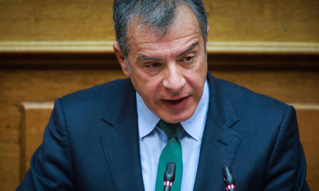 Θεοδωράκης για Συμφωνία Πρεσπών: «Δεν στηρίζουμε τον καταρρέοντα Αλέξη Τσίπρα αλλά την Ελλάδα»