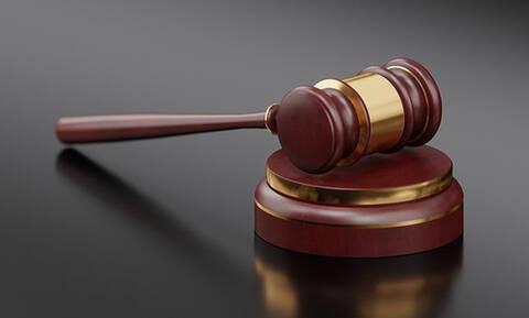 Καλαμάτα: 8,5 χρόνια για απόπειρα ληστείας με βαριοπούλα σε τράπεζα