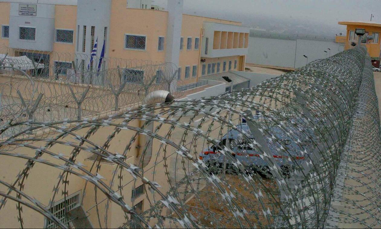 Απίστευτο! Δείτε τι σκαρφίστηκαν για να περάσουν ναρκωτικά σε ισοβίτη των φυλακών Δομοκού