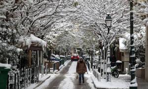 Καιρός: Αλλάζει το σκηνικό του καιρού – Νέο κύμα κακοκαιρίας με βροχές καταιγίδες και χιόνια