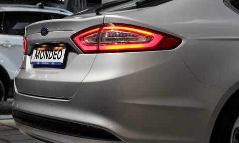 Το Ford Mondeo ανανεώνεται και αποκτά και υβριδική έκδοση