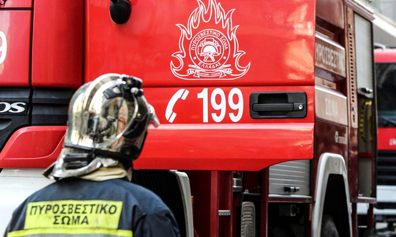 Συναγερμός με φωτιά στα Χανιά - Δύο άτομα στο νοσοκομείο