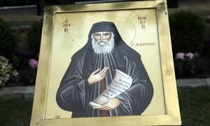 Γέροντας Παΐσιος: Η αδιαφορία για τον Θεό φέρνει την αδιαφορία και για όλα τα άλλα...