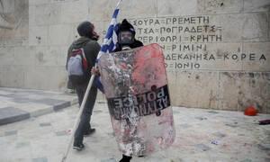 Συλλαλητήριο για τη Μακεδονία: Κυβέρνηση, αστυνομία και παρακρατικοί αμαύρωσαν τη συγκέντρωση