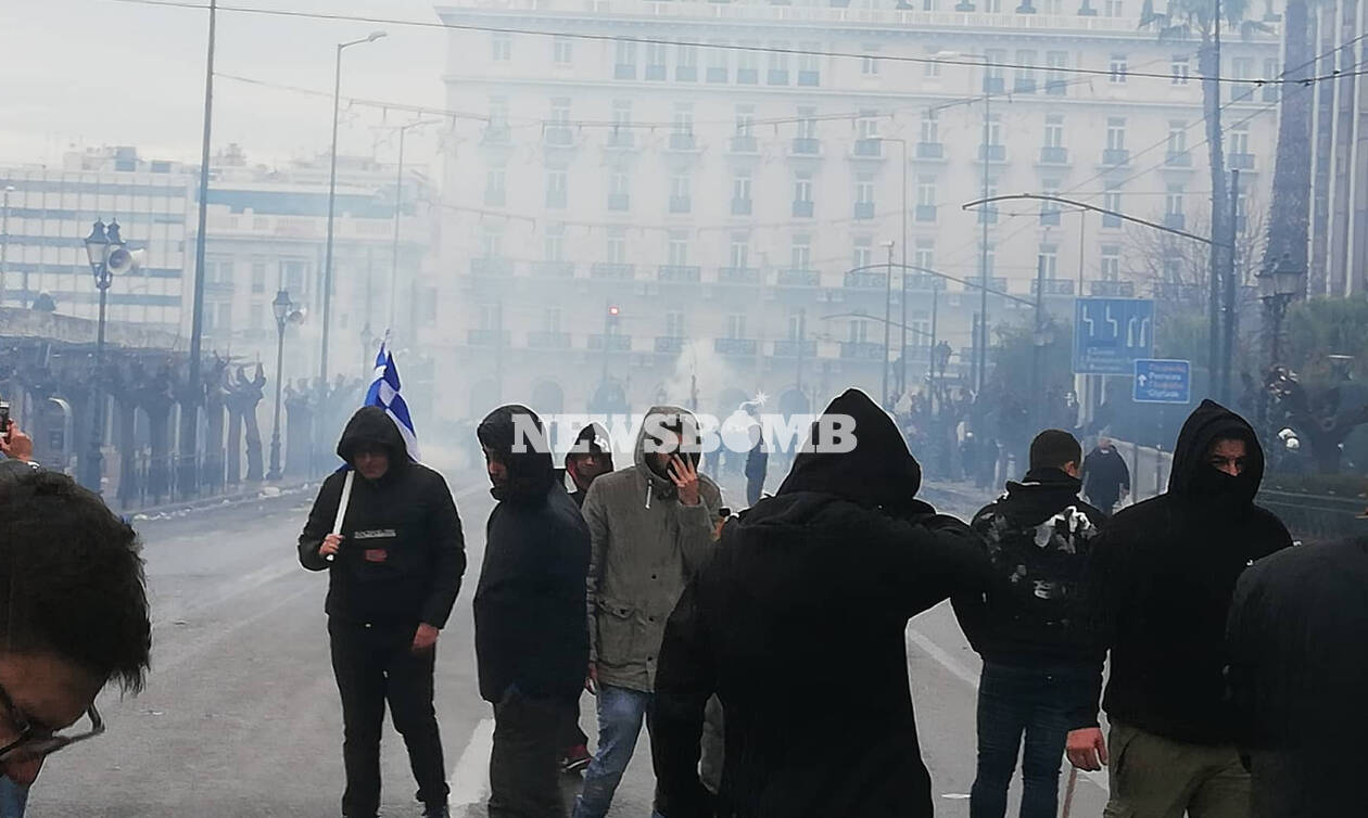 Συλλαλητήριο για Μακεδονία: Δείτε LIVE ΕΙΚΟΝΑ ΤΩΡΑ από το Σύνταγμα