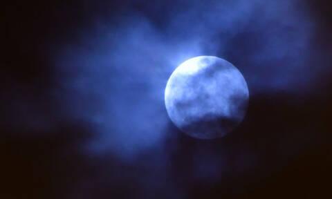 Βγείτε και δείτε το φεγγάρι: Πανσέληνος, υπερπανσέληνος και ολική σεληνιακή έκλειψη
