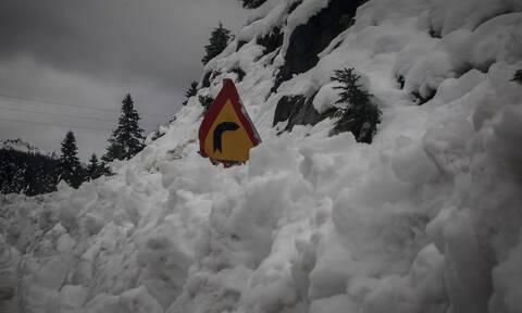Χανιά: Τα Λευκά Όρη δικαιολογούν το… όνομά τους - Το χιόνι έφτασε το ένα μέτρο