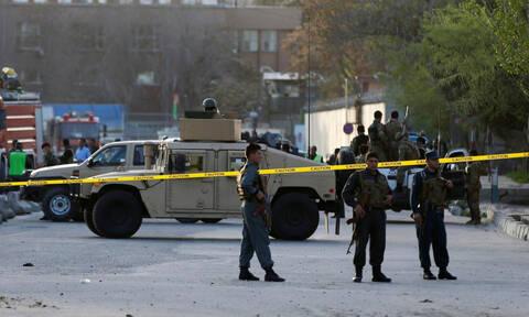 Αφγανιστάν: Οκτώ νεκροί και 10 τραυματίες σε βομβιστική επίθεση με στόχο αυτοκινητοπομπή